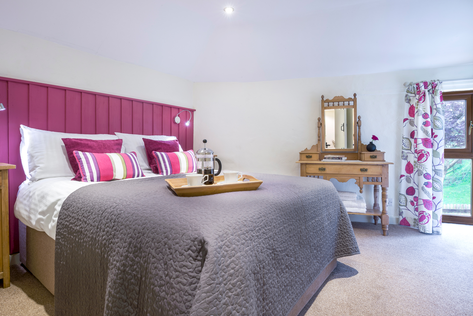 tregongeeves-farm-cottages-holiday-cornwall-st-austell-donkey-mill-bedroom-3