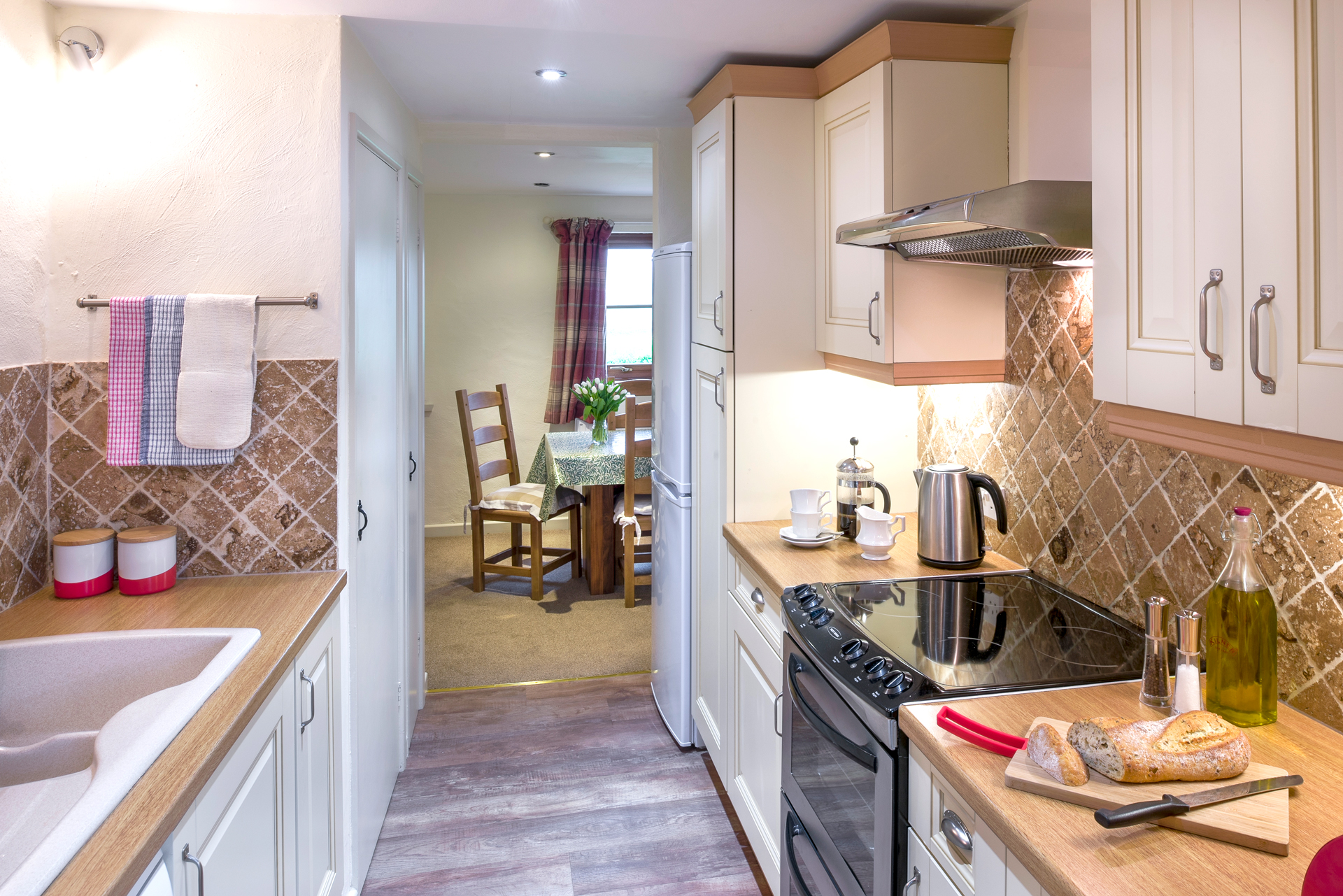 tregongeeves-farm-cottages-holiday-cornwall-st-austell-donkey-mill-kitchen