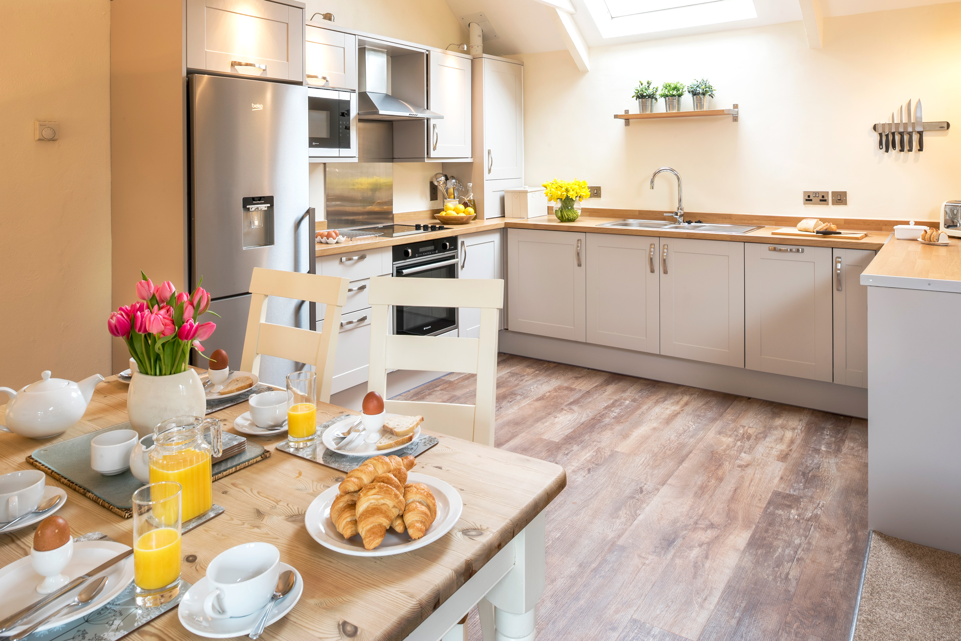 tregongeeves-farm-cottages-holiday-cornwall-st-austell-lovedays-kitchen