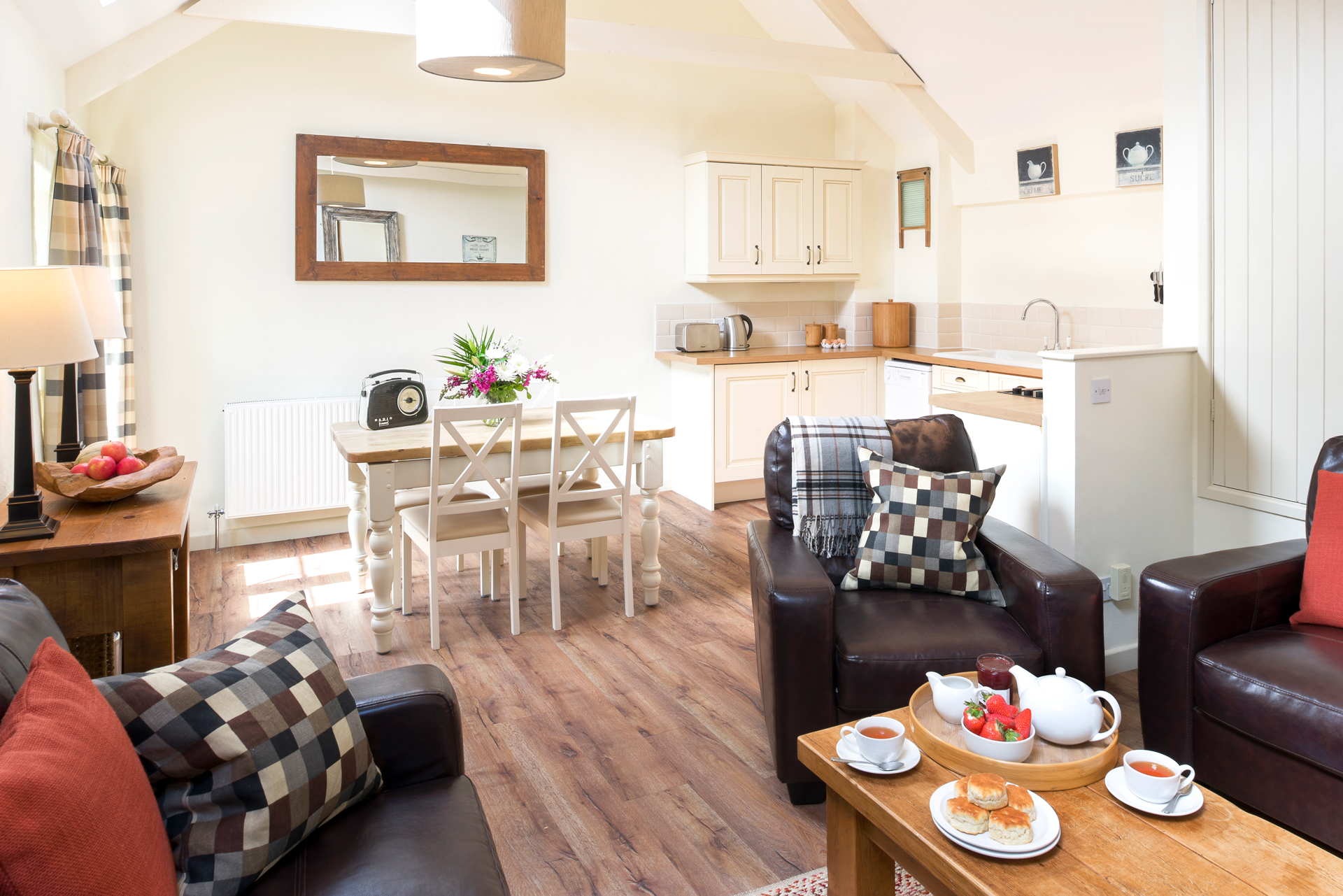 tregongeeves-farm-cottages-holiday-cornwall-st-austell-quakers-kitchen