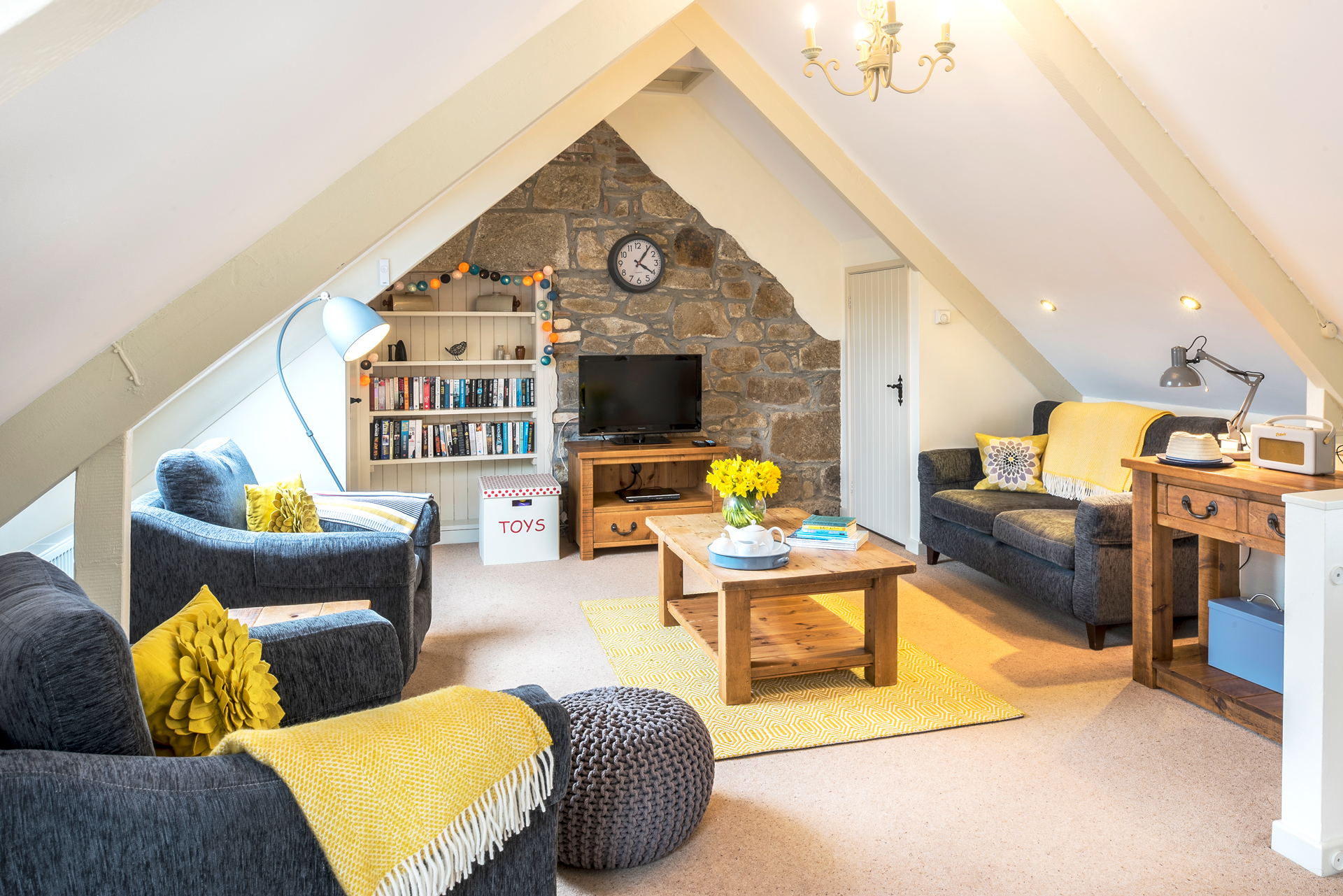 tregongeeves-farm-cottages-holiday-cornwall-st-austell-swallows-lounge-2