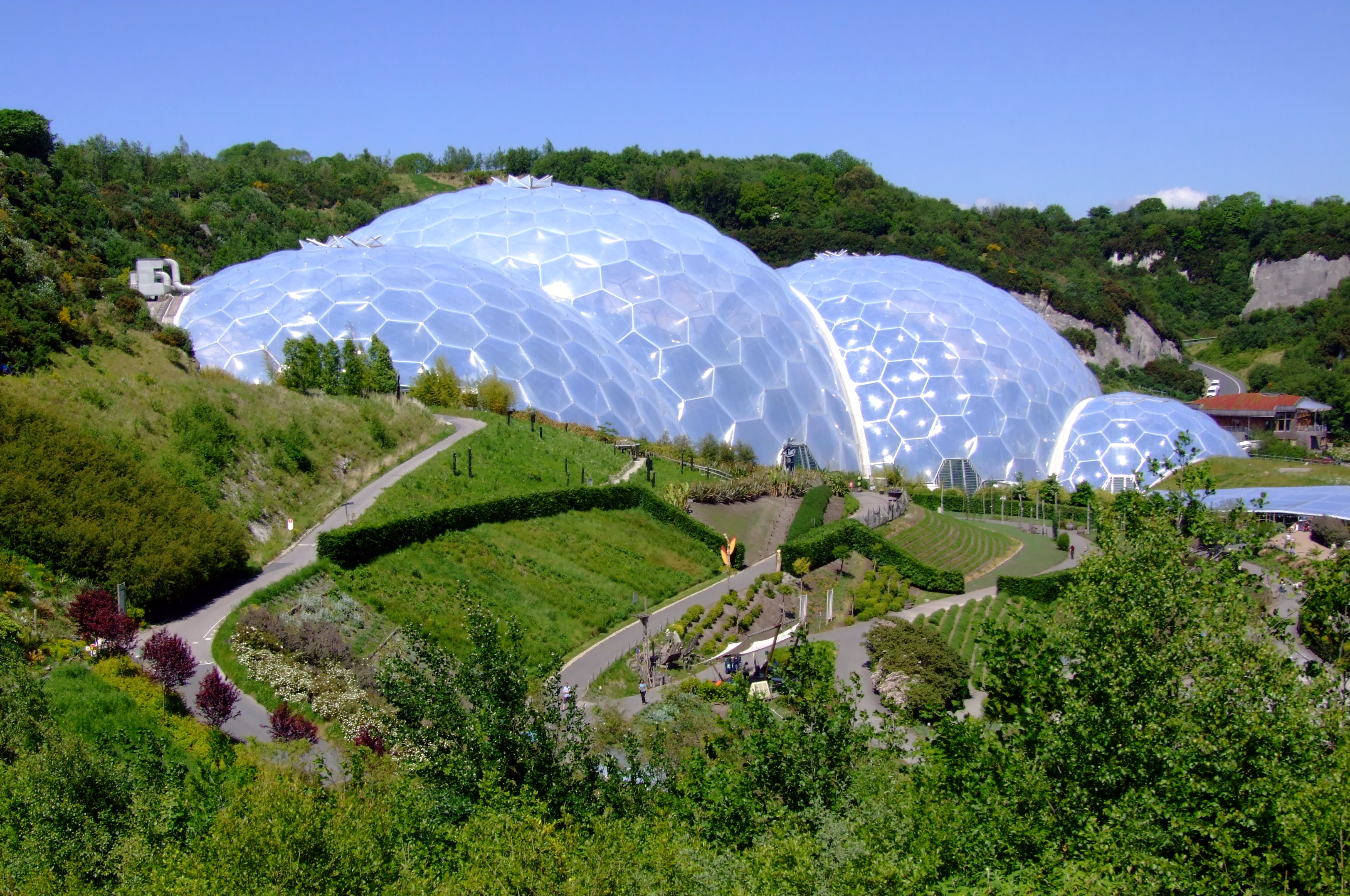 Eden_Project,_Cornwall,_England-29May2009