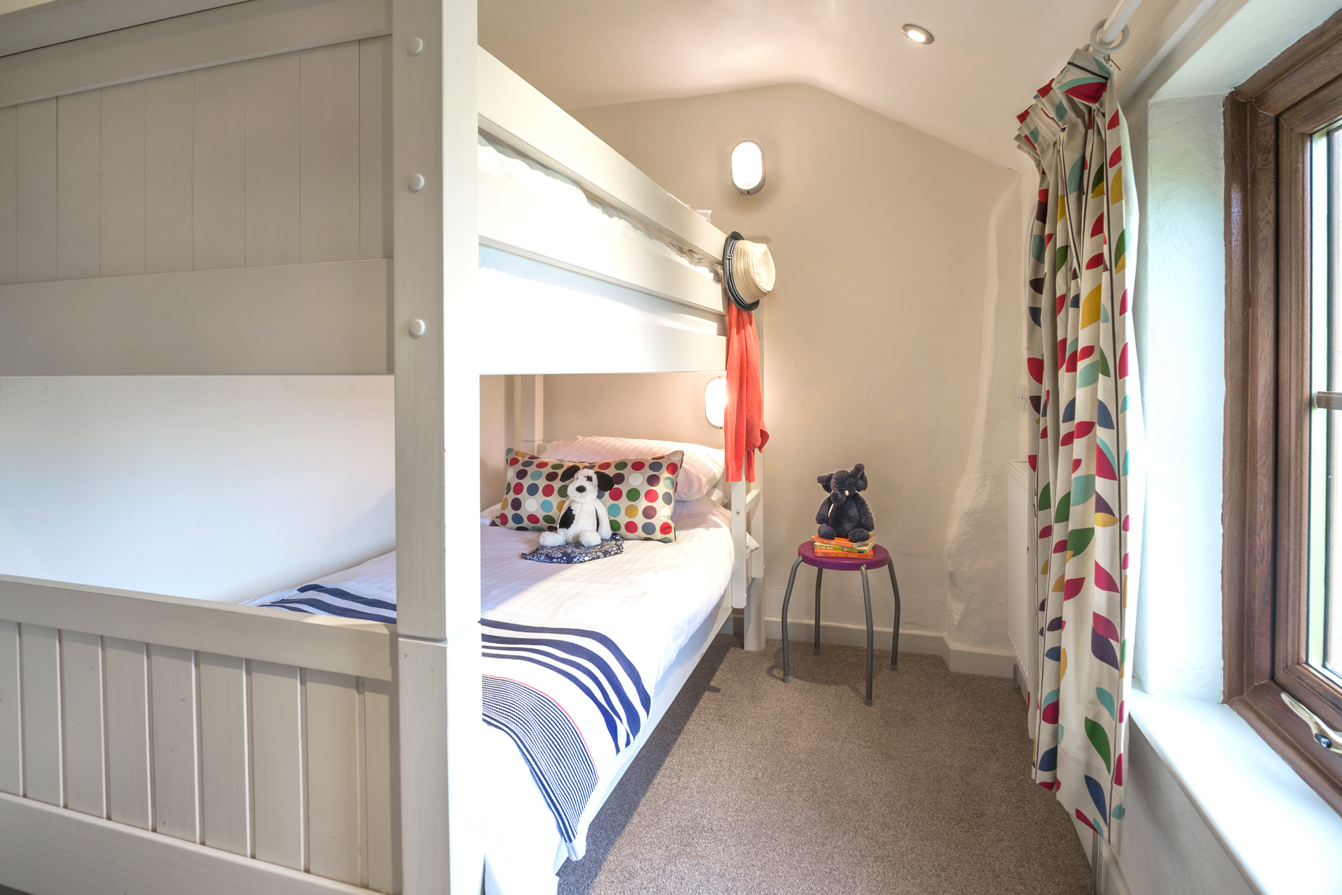 tregongeeves-farm-cottages-holiday-cornwall-st-austell-donkey-mill-bedroom