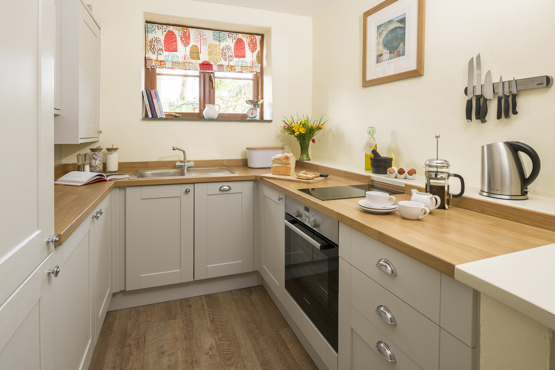 tregongeeves-farm-cottage-gallery-kitchen
