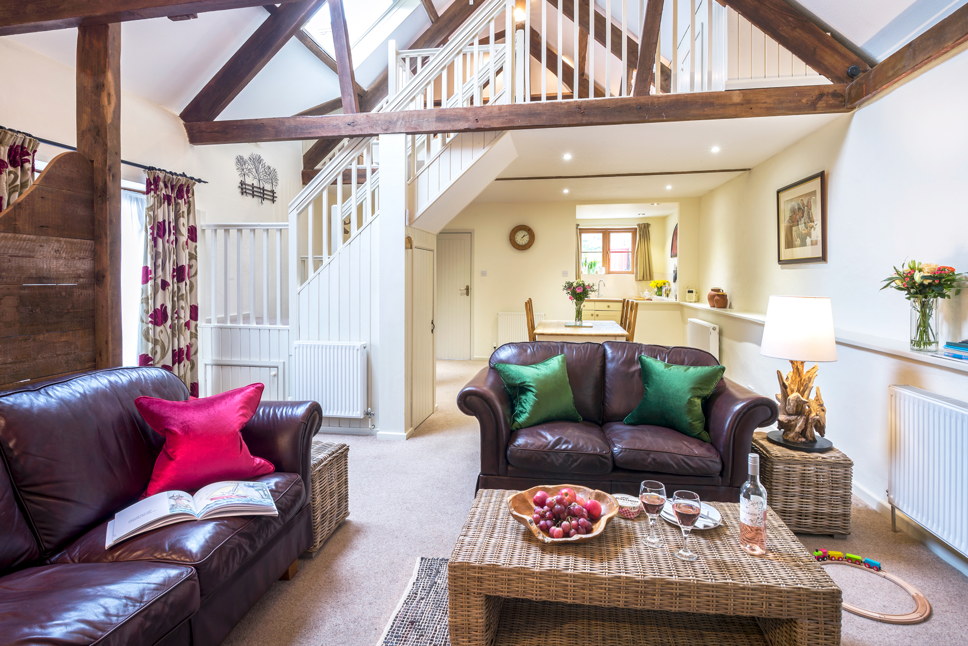 tregongeeves-farm-cottages-holiday-cornwall-st-austell-gallery-lounge-2