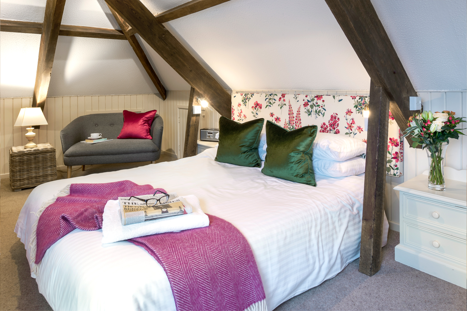 tregongeeves-farm-cottages-holiday-cornwall-st-austell-gallery-bedroom