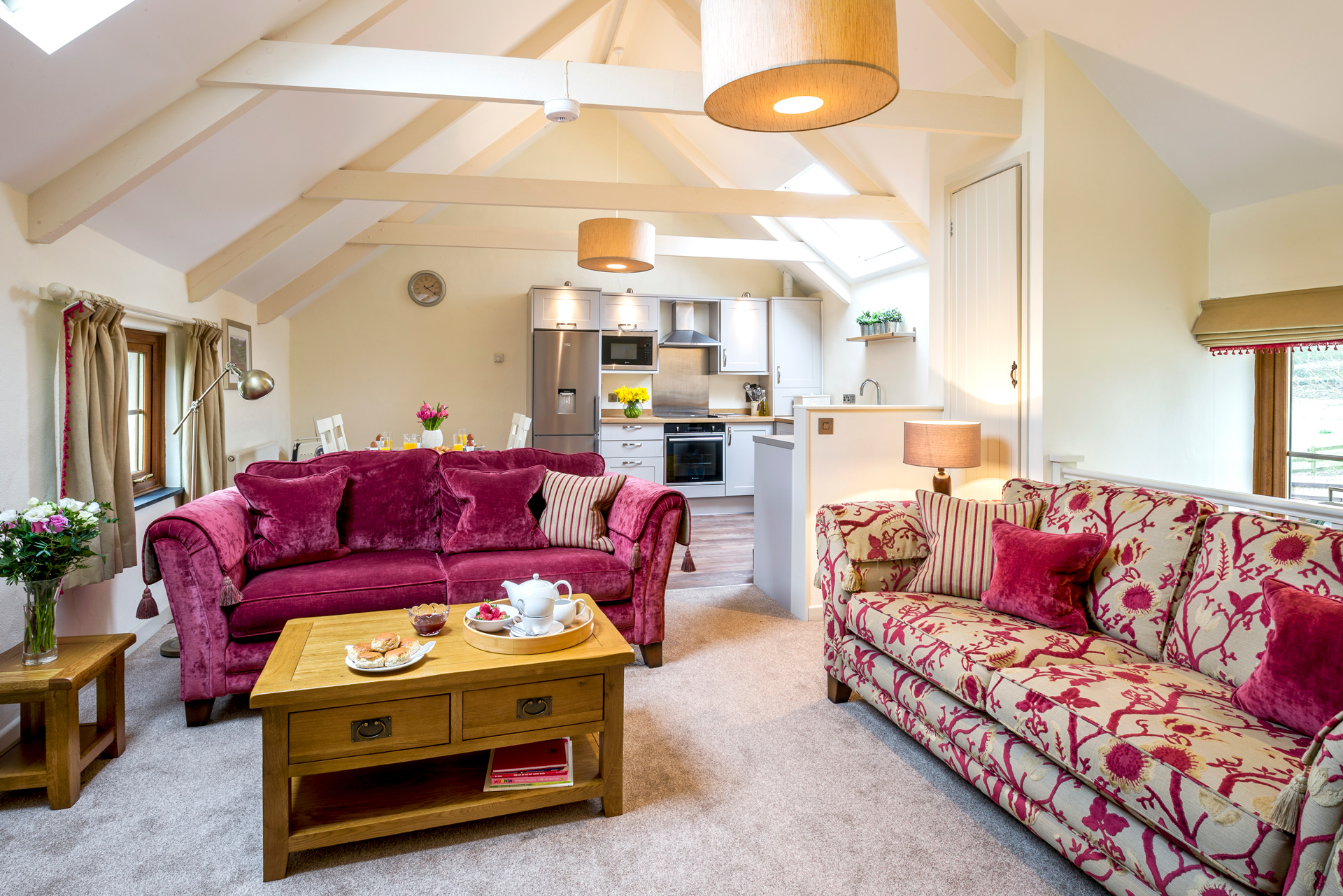 tregongeeves-farm-cottages-holiday-cornwall-st-austell-lovedays-lounge