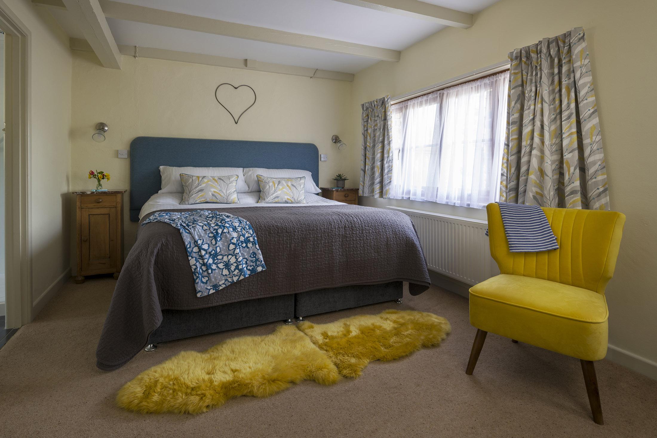 tregongeeves-farm-cottage-swallow-bedroom